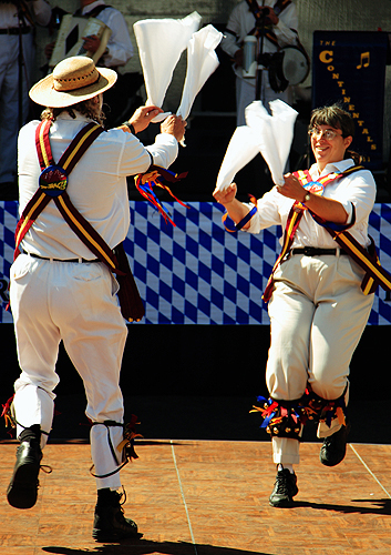 The Maroon Bells Morris Dancers - The energetic Fieldtown dance 'Jockey to the Fair'